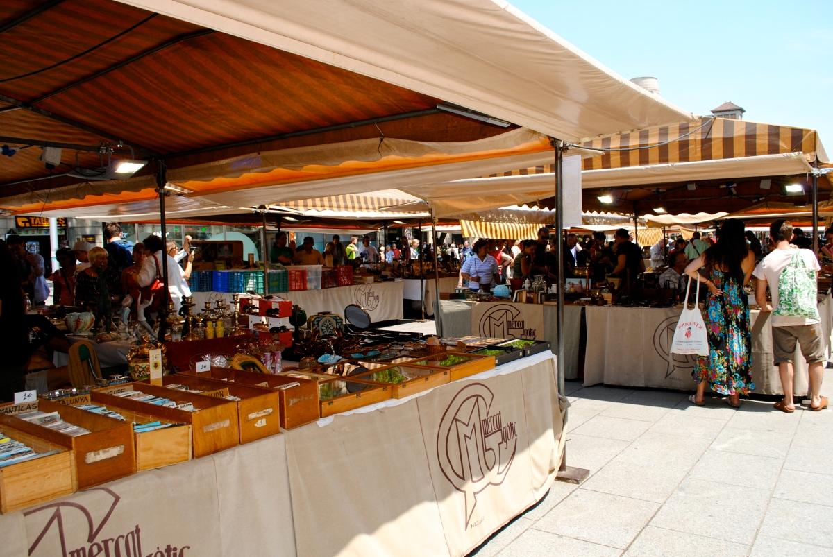 Outdoor Markets in Barcelona | jumpwhenisay